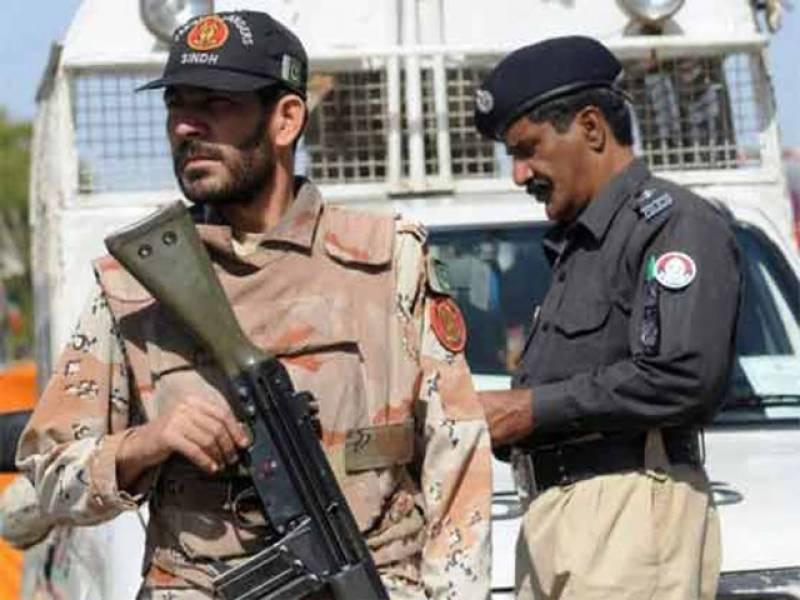 کراچی پولیس کا مختلف علاقوں میں آپریشن،11 افراد گرفتار