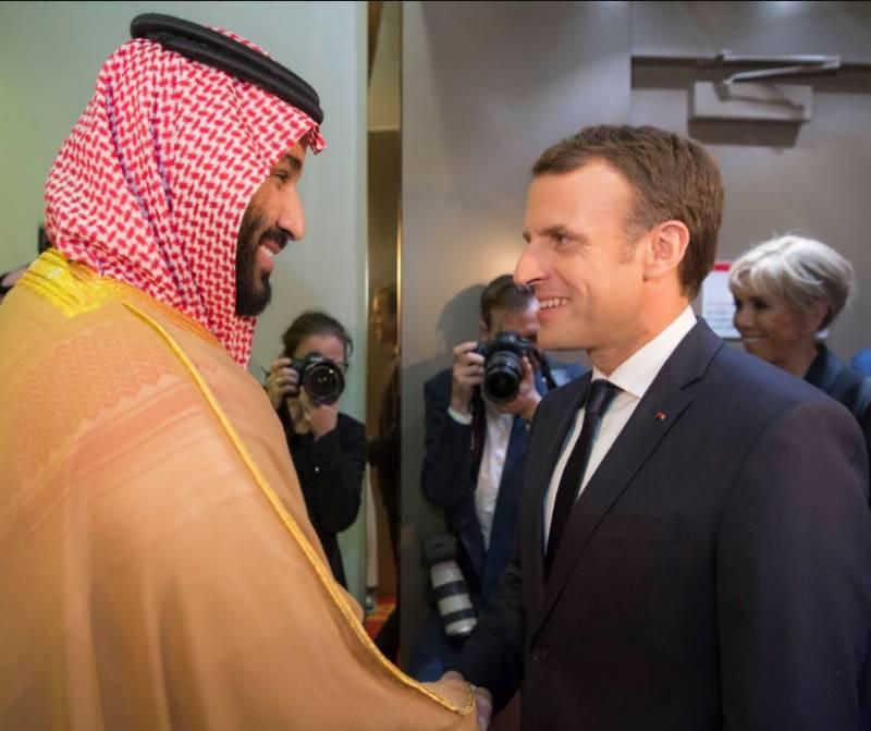 خلیجی خطے میں بڑھتی ہوئی کشیدگی کے پیش نظر فرانسیسی صدرعمانویل میکرون نے سعودی عرب کا دورہ کیا
