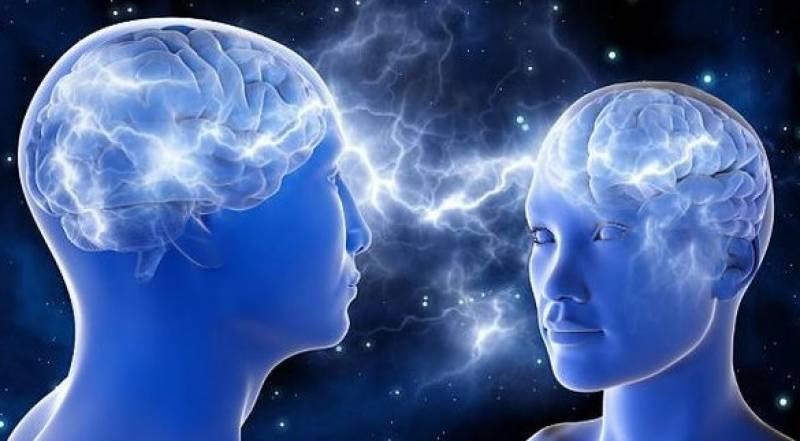 خواتین کا دماغ مردوں کی نسبت بہتر، بچوں میں ذہانت ماں کی طرف سے منتقل ہوتی ہے: رپورٹ