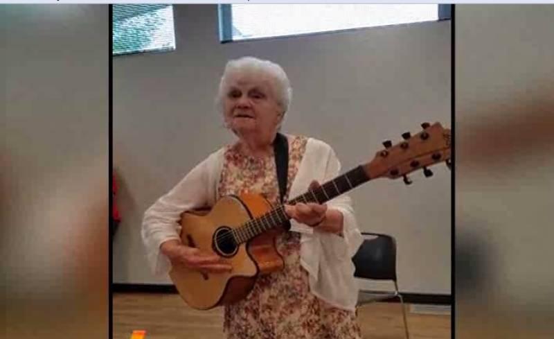 امریکا سے تعلق رکھنے والی90سالہ ان دادی امّاں کو ہی دیکھ لیجئے جوکسی پاپ اسٹار سے کم نہیں