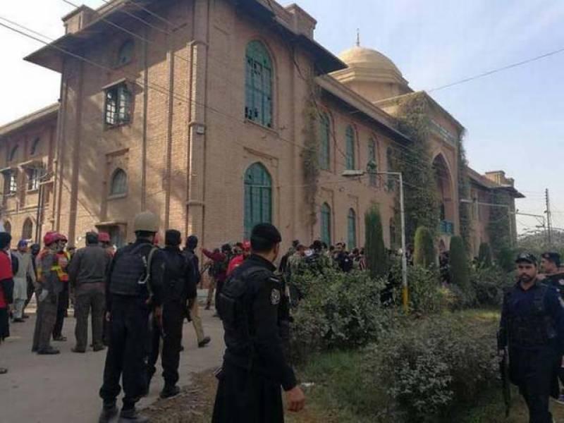 پشاور میں دہشت گرد حملے کی تحقیقات جاری،مقدمہ درج کرلیاگیا۔