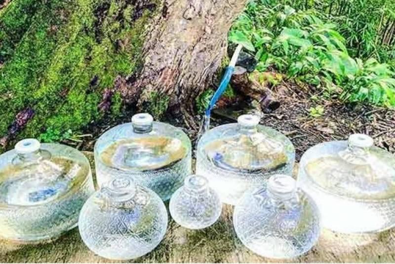 شہریوں کا ماننا ہے کہ یہ اصلی پانی کسی اور ذریعے سے دستیاب نہیں ، ماہرین کے مطابق اس کا استعمال کئی بیماریوں کو جنم دے سکتا ہے