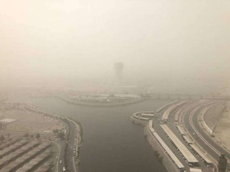 مکہ مکرمہ اور جدہ سمیت سعودی عرب کے مغربی علاقوں میں آنے والے گردوغبار کا طوفان اب تک جاری