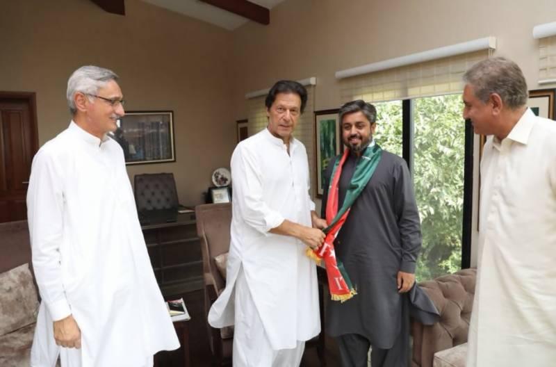 قومی اسمبلی کے شبیر قریشی اور علی محمد مہر , پی پی 277 کے علمدار قریشی تحریک انصاف کا حصہ بن گئے