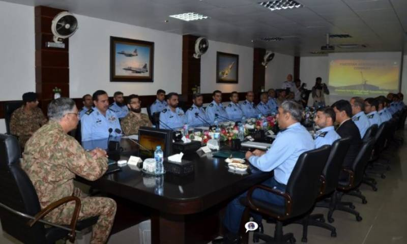 چئیرمین جوائنٹ چیفس آف سٹاف کمیٹی کا پاکستان ایرو ناٹیکل کمپلیکس کامرہ کا دورہ, پی اے سی دفاعی پیداوار میں ایک کلیدی کردار کا حامل ادارہ ہے,جنرل زبیر محمود حیات