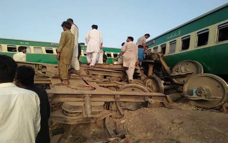صادق آباد: اکبر ایکسپریس اورمال گاڑی میں تصادم، 11 افراد جاں بحق،67 زخمی