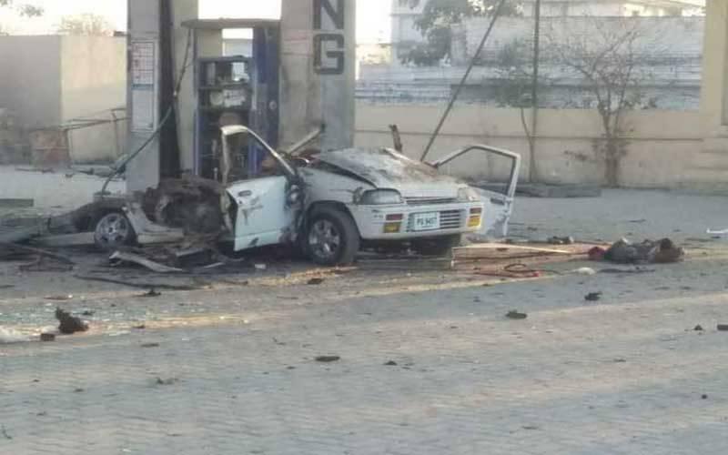 کار گیس سلنڈر دھماکہ،خاتون جاں بحق،3بچے زخمی