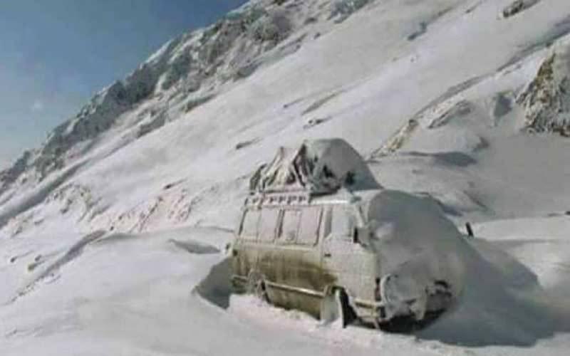 پاکستان میں مسلسل برفباری اور بارشوں کے باعث کشمیر اور صوبہ بلوچستان میں27 افراد ہلاک