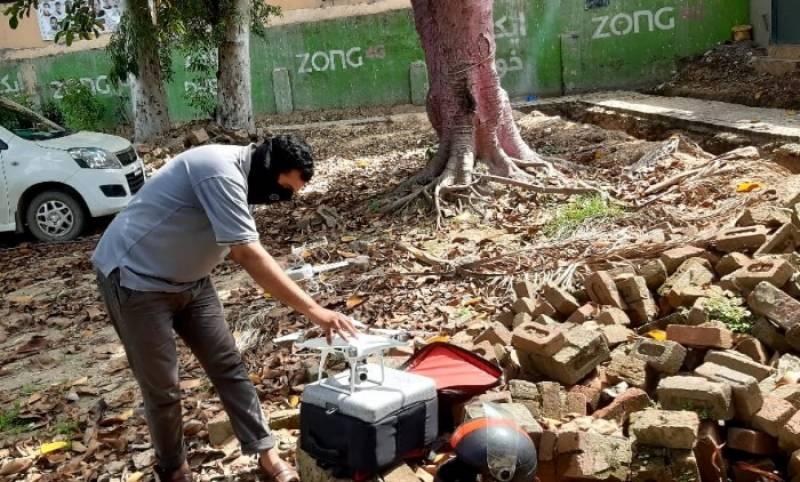 سیالکوٹ پولیس نے پتنگ بازی روکنے کے لئے جدید ڈرون کا استعمال شروع کردیا۔