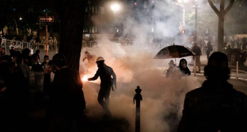 امریکی شہر پورٹ لینڈ میں مظاہروں نے فسادات کی شکل اختیار کر لی