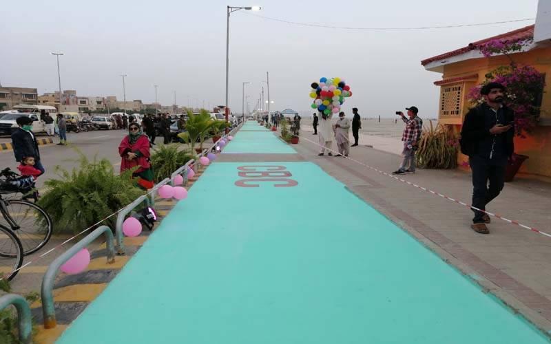 کراچی کے ساحل پر 3 کلو میٹر طویل سائیکلنگ ٹریک کا افتتاح