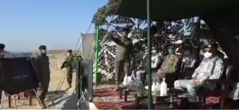 پاکستان نیوی کا زمین سے فضا میں مار کر نیوالے میزائلز کی فائرنگ کا کامیاب مظاہرہ