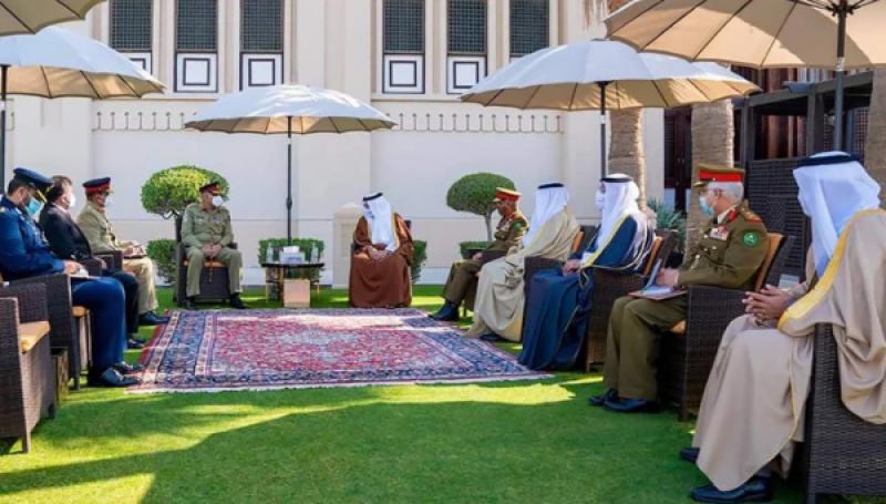آرمی چیف جنرل قمر جاوید باجوہ کا دورہ بحرین، اعلیٰ قیادت سے ملاقات