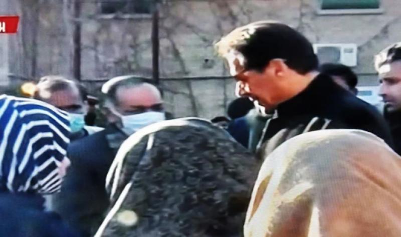 وزیراعظم عمران خان کی سانحہ مچھ کے لواحقین سے ملاقات اور اظہار تعزیت کی