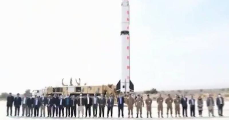 پاکستان نے بیلسٹک میزائل شاہین 3 کی کامیاب پرواز کا تجربہ کیا جو سطح سے سطح تک ہر قسم کا وار ہیڈ لے جانے کی صلاحیت رکھتا ہے۔آئی ایس پی آر
