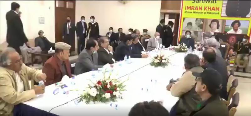وزیراعظم عمران خان سے ساہیوال ڈویژن سے تعلق رکھنے والے پارلیمینٹیرینز اور پاکستان تحریک انصاف کے ممبران کے وفد کی ساہیوال میں ملاقات