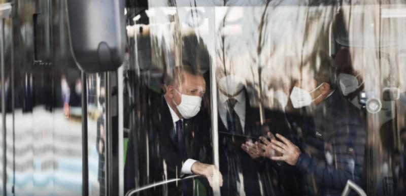 ترک صدر کی دنیا کی پہلی خودکارالیکٹرک بس کی تعارفی تقریب میں شرکت