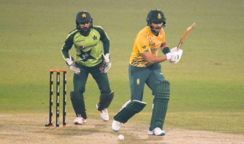 دوسرا ٹی ٹوئنٹی: جنوبی افریقا نے پہلے میچ میں شکست کا بدلہ لے لیا, پاکستان کو 6 وکٹوں سے شکست دے دی