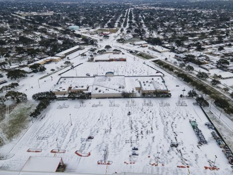 امریکی ریاست ٹیکساس میں برفانی طوفان سے معمولات زندگی درہم برہم, ماسکو میں ریکارڈ برفباری کئی فٹ تک برف جمع
