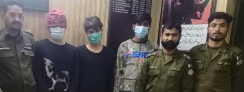 رنگ پورہ علاقہ سے ڈکیتی کی وارداتوں میں ملوث چار رکنی گینگ سرغنہ نوازش علی سمیت گرفتار
