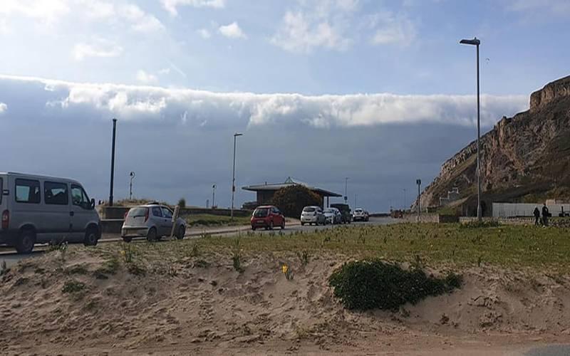 ویلز کے ساحلی علاقے میں بادلوں کا سونامی
