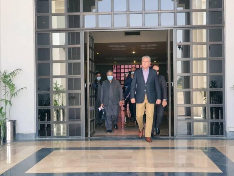 وزیرخارجہ شاہ محمود قریشی وفدکے ہمراہ 3 روزہ دورے پردوشنبے تاجکستان روانہ