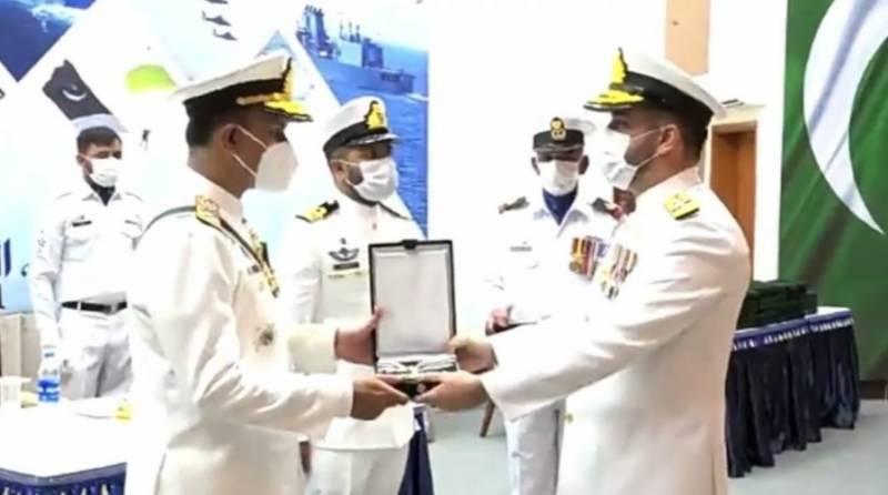 پاک بحریہ کے آفیسرز، سی پی اوز/سیلرز اور سویلینز کو عسکری ایوارڈز تفویض کرنے کی تقریب ہوئی ۔