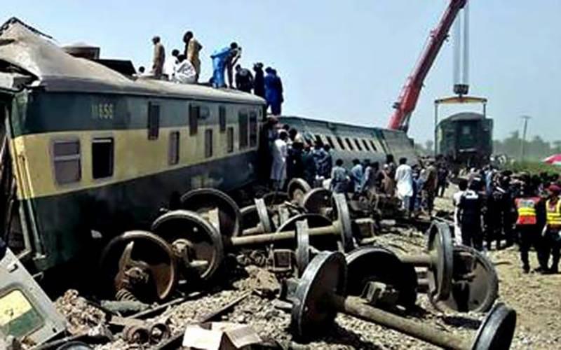 ڈہرکی ٹرین حادثہ کی ابتدائی رپورٹ تیار