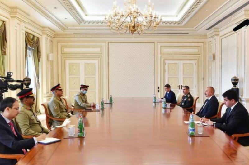آذربائیجان کے ساتھ فوجی تعاون بڑھانا چاہتے ہیں: آرمی چیف