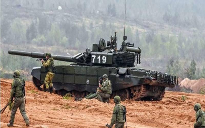 طالبان کی پیش قدمی, روس نےفوجی مشقیں شروع کردیں۔