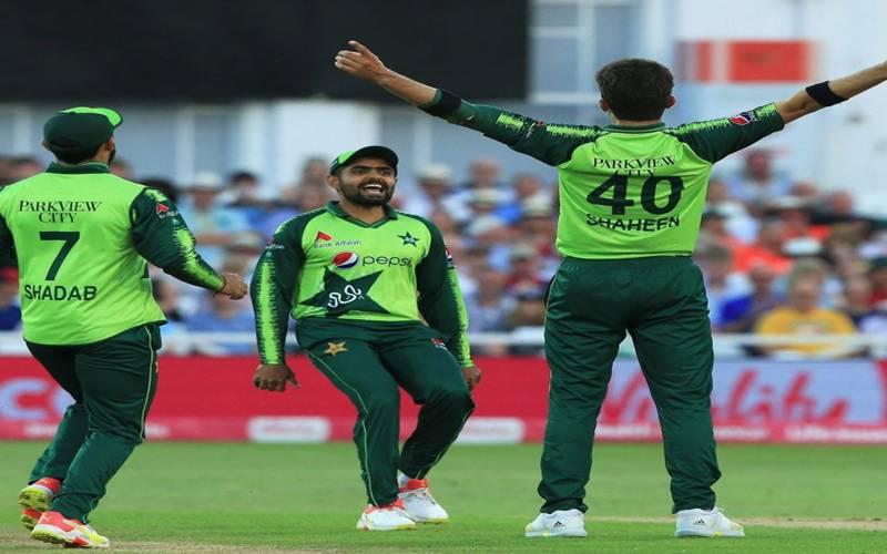 پہلا ٹی ٹوئنٹی: پاکستان نےاچھی بیٹنگ اور باولنگ کی بدولت انگلینڈ کو 31 رنز سے شکست دے دی۔