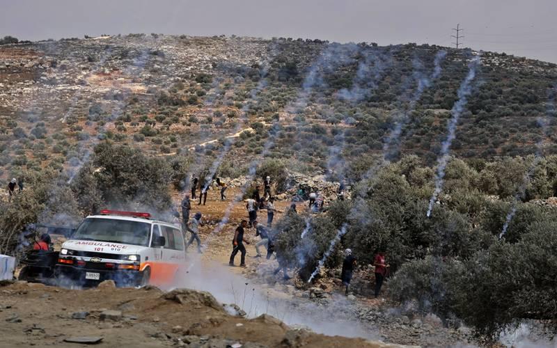 مغربی کنارے پر غیر قانونی اسرائیلی آبادکاری کے خلاف مظاہرہ، 140 فلسطینی زخمی