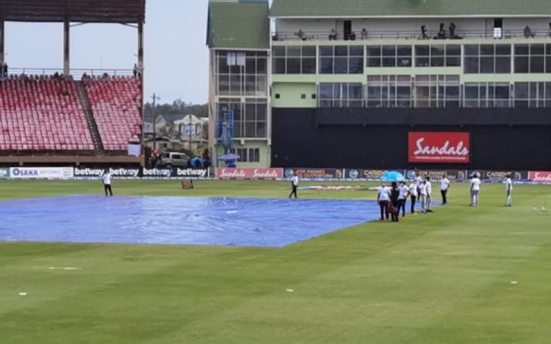 ویسٹ انڈیز کی پاکستان کے خلاف بیٹنگ، بارش کے باعث میچ روک دیا گیا