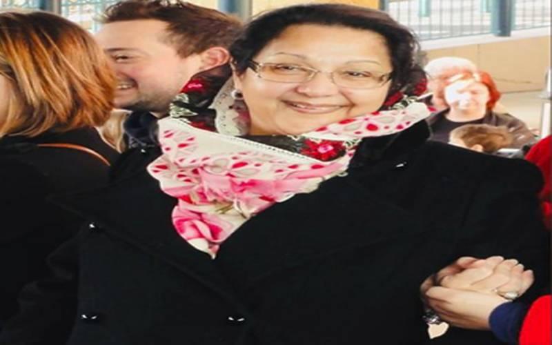 مریم نواز نے ٹوئٹر اکائونٹ پر مرحومہ والدہ بیگم کلثوم کی کچھ یادگار تصویریں شیئر کردیں