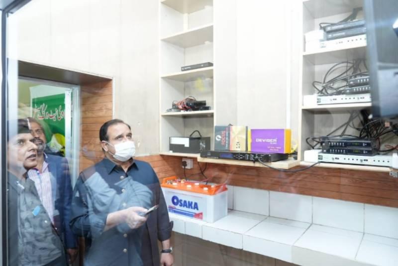وزیراعلیٰ عثمان بزدار نے جیل کے قیدیوں کیلئے ٹی وی کیبل نیٹ ورکنگ سسٹم کا افتتاح کیا
