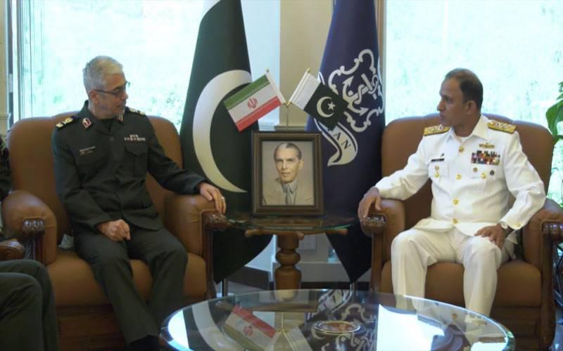 ایرانی مسلح افواج کے چیف آف جنرل سٹاف کا نیول ہیڈ کوارٹرزکا دورہ