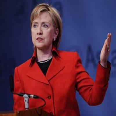 امریکی وزیرخارجہ ہیلری کلنٹن نے دہشتگردی کے خلاف جنگ میں پاکستان کی قربانیوں کو پس پشت ڈال کرایک بار پھر ڈومور کا مطالبہ کردیا۔