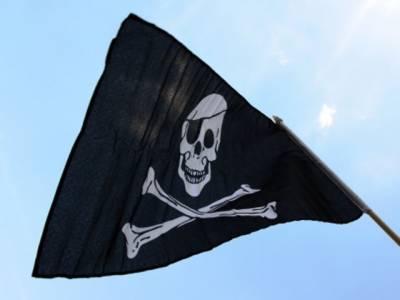 صومالی بحری قزاقوں نے ایک اور بحری جہاز اغوا کرلیا، ایم وی البیڈو میں سات پاکستانی بھی سوار تھے۔