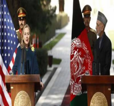 پاکستان پر حقانی گروپ کے خلاف کارروائی کے لئے دباؤ بڑھائیں گے۔ طالبان کو جنگ یا امن میں سے ایک کا انتخاب کرنا ہوگا۔ ہیلری کلنٹن
