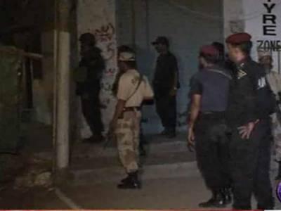 کراچی، کنواری کالونی میں پولیس اور ایف سی اہلکاروں کے مشترکہ سرچ آپریشن، اہم شدت پسند کمانڈر سمیت چار افراد گرفتار ۔