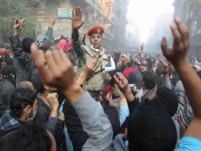 مصرمیں فوجی حکومت کی جانب سےعام انتخابات کے اعلان کے باوجود مظاہروں اور پرتشدد واقعات کا سلسلہ جاری ۔