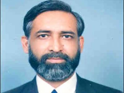 ماتحت عدالتوں میں بہت سے مقدمات التوء کا شکار ہیں جنہیں فوری طور پر نمٹایا جائے۔ چیف جسٹس سندھ ہائیکورٹ جسٹس مشیرعالم