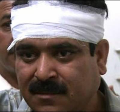 کوئٹہ میں سبزل روڈ پر نامعلوم افرادکی فائرنگ سے سانحہ خروٹ آباد کی انکوائری کمیٹی میں شامل پولیس سرجن ڈاکٹر باقرشاہ جاں بحق ہوگئے۔