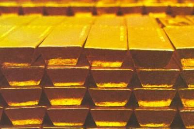 عالمی گولڈ مارکیٹ میں سونے کی قیمت یں آٹھ ڈالرکمی کے باوجود پاکستان میں فی تولہ سونا دو سو روپے مہنگا ہوگیا۔
