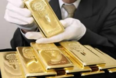 سونے کی فی اونس قیمت ساڑھے سولہ سو ڈالر سے تجاوز کرگئی جس کے بعد پاکستان میں فی تولہ سونا مزید پانچ سو پچاس روپے مہنگا ہوگیا۔