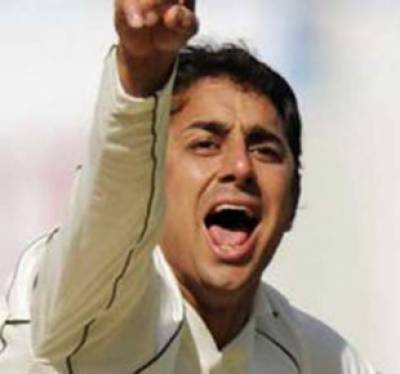 پاکستان کے آف سپنرسعید اجمل انگلینڈ کے خلاف جادوئی بالنگ پرفارمنس کے بعد آئی سی سی ٹیسٹ رینکنگ میں تیسرے نمبر پر آگئے ہیں۔