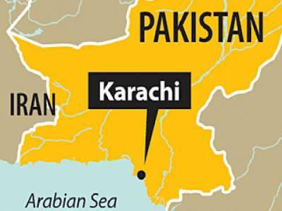 کراچی میں نو ڈاکو نجی بینک سے دس لاکھ روپے سے زائد کی رقم لوٹ کرفرارہوگئے۔