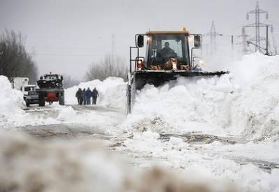 مشرقی اور وسطی یورپ میں سردی کی شدید لہرسے بتیس افراد ہلاک، شدید برفباری کے باعث نظام زندگی مفلوج ہوکررہ گیا۔