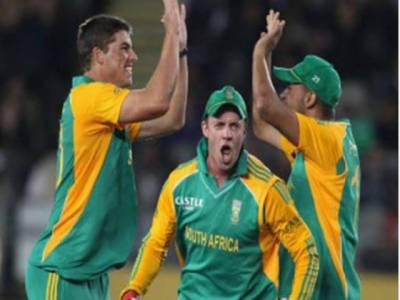 جنوبی افریقہ اور نیوزی لینڈ کے مابین تیسرے ٹی ٹونٹی میں پروٹیز نے سنسنی خیز مقابلے کے بعد میزبان ٹیم کو تین رنز سے شکست دے دی۔