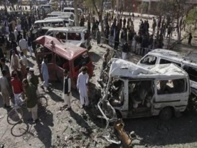 پشاورمیں کوہاٹ بس اڈے کے قریب ریموٹ کنٹرول بم دھماکہ، تین بچوں سمیت پندرہ افراد جاں بحق، تیس سے زائد زخمی ۔